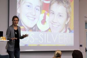 Inspirationsföreläsning om motivation. Maria Rooth är en inspirationsföreläsare som erbjuder digital föreläsning om motivation.
